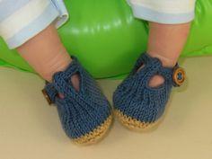 Baby T Bar Sandals pdf download knitting pattern by madmonkeyknits