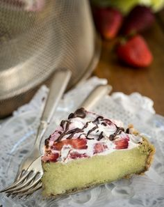 Raw Avocado Strawberry Pie