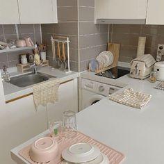 Apartment Interior, Apartment Design, Kitchen Interior, Design Kitchen, Studio Apartment, Room Interior, Korean Bedroom, Bedroom Minimalist, Minimalist Kitchen