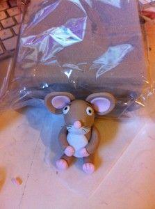 Gruffalo Cake - Tutorial to make mouse 3rd Birthday Cakes, 3rd Birthday Parties, Boy Birthday, Birthday Ideas, Gruffalo Party, The Gruffalo, Foundant, Fondant Animals, Animal Cakes