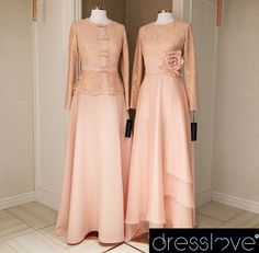 Pudra sevenler için iki zarif seçenek✌️Sizin tercihiniz hangisi olurdu?✨ #dresslove #dresslove_official #eveningdress #prom #promdress #romanticdress #pure #elegant #glamour #chic #modern #fashion #hijab #hijabdress