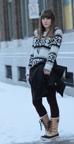 Blogger Sorren from Classic Noise looks beautiful wearing her #SOREL boots.