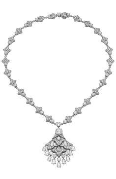 Bulgari - Fine jewelry necklace in platinum with a brilliant-cut diamond, eleven pear cut diamonds, brilliant-cut diamonds and pavé diamonds.