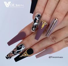How many faces do you see on this set of nails? Beautiful Nail Designs, Beautiful Nail Art, Gorgeous Nails, Fancy Nails, Bling Nails, Swag Nails, Fire Nails, Luxury Nails, Best Acrylic Nails