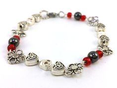 Hey, I found this really awesome Etsy listing at https://www.etsy.com/listing/203927778/silver-tone-skull-bracelet-nordic