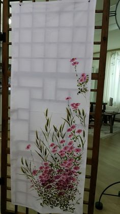Dress Painting, One Stroke Painting, Fabric Painting, Fabric Art, Chinese Painting Flowers, Silk Art, Painted Clothes, World Of Color, Pictures To Paint
