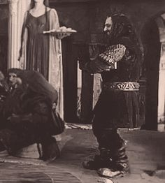 JUST IN CASE YOU WANTED TO SEE THORIN DANCING