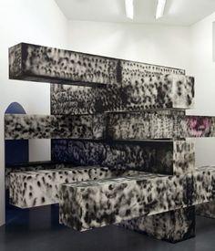 Sterling Ruby Sterling Ruby, Abstract Sculpture, Installation Art, Dark Art, Valance Curtains, 3d, Studio, Home Decor, Kunst