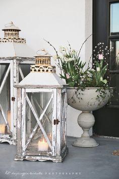 Koti kaupungin laidalla: Kevät-istutukset ulko-ovella