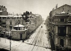 Calle Zurbano, Madrid. 1900 ...really? With snow?