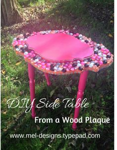 DIY Side Table by Mel-Designs - She used her AdTech glue gun, flat marbles and spray paint for this easy and funky table! Flat Marbles, Glue Gun Crafts, White Wash Brick, Wood Plaques, Garden Table, Textured Wallpaper, Pet Beds, Diy Table, Coffee Tables