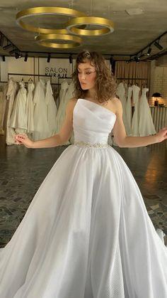 Wedding Dress Bustle, Dream Wedding Dresses, Bridal Dresses, Puffy Wedding Dresses, Ball Dresses, Ball Gowns, Fashion Dresses, Fashion Wedding Dress, Bridesmaids