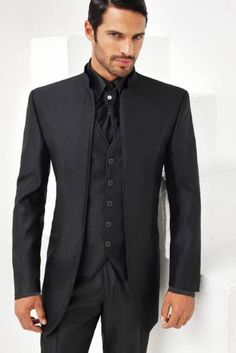 Mens Fashion Blog, Mens Fashion Suits, Mens Suits, Men's Tuxedo Styles, Dress Suits For Men, Stylish Suit, Formal Suits, Tuxedo For Men, Wedding Suits