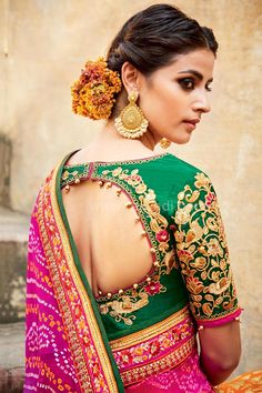 Stylish saree blouse designs prominent the looks of the wearer. For a classy and sophisticated look, try these blouse designs for wedding season. Bridal Lehenga Choli, Silk Lehenga, Sari, Choli Dress, Bandhani Saree, Lehenga Style, Ghagra Choli, Anarkali, Silk Sarees