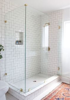 patio or other Waterproof/patio or persian style rugs in the bathroom. Bathroom Towel Decor, Bathroom Mirrors, Hall Bathroom, Bathroom Wallpaper, Bathroom Rugs, Bathroom Floor Tiles, Bathroom Ideas, Bathroom Inspo, Bathroom Faucets