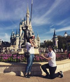 25 cuteness overload from disney proposal ideas 4 - Beauty of Wedding Wedding Proposals, Marriage Proposals, Disney Engagement Pictures, Engagement Ideas, Disney Pictures, Disney World Proposal, Proposal Pictures, Cute Proposal Ideas, Romantic Proposal