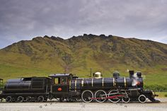 Image from http://www.hickerphoto.com/images/1024/vintage-steam-train-53747.jpg.