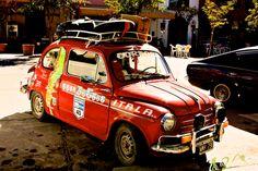 De Buenos Aires a Alaska USA en un Fiat 600! Vean la calcomanía de la Ruta 40. Tomaron parte de la Ruta en su viaje!
