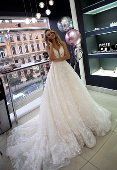 Wedding dress Klefi by Olivia Bottega. With lace on corset and skirt. Open back. Deep V neckline. Wedding Dress Chiffon, Wedding Dresses Photos, Black Wedding Dresses, Gorgeous Wedding Dress, Wedding Dress Styles, Designer Wedding Dresses, Dream Wedding, Bridal Gowns, Wedding Gowns