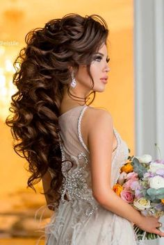 30 Chic Half Up Half Down Bridesmaid Hairstyles, Hair makeup Unless you have bee. - 30 Chic Half Up Half Down Bridesmaid Hairstyles, Hair makeup Unless you have been living under a ro - Chic Hairstyles, Wedding Hairstyles For Long Hair, Wedding Hair And Makeup, Bride Hairstyles, Bridal Hair, Bridesmaid Hairstyles, Hair Wedding, Wedding Poses, Wedding Beauty