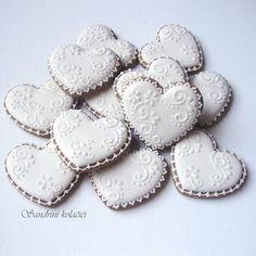 #medenjaci #kolacici #decoratedcookies #sugarcookies #royalicing #lace #white #instacookies #mywhitetable #baking  #vintage #hearts #wedding #pattern #weddingfavors #sandrinikolacici Lace Cookies, Heart Cookies, Cupcake Cookies, Sugar Cookies, Icing Frosting, Cookie Frosting, Valentines Day Cookies, Christmas Cookies, Iced Biscuits