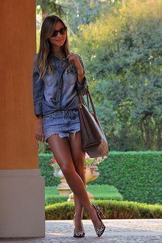Blue Jeans (by Luisa Accorsi) http://lookbook.nu/look/3995696-Blue-Jeans