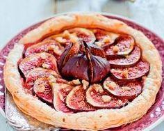 Tarte aux figues facile : http://www.cuisineaz.com/recettes/tarte-aux-figues-facile-38502.aspx