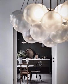 Looking through the cloud. What a charming apartment seen on @artillerietstore's instagram. Totally in ave for this lovely Cloud lighting by #apparatusstudio. #artillerietstudio #artilleriet #artillerietshop#lighting #kitcheninspiration #kitchen #mood#dining #diningarea