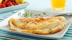 Tapioca é uma dos ingredientes culinários que vai bem com quase tudo! Dá pra inventar e reinventar receitas, recheios, sabores doces e salgados, acompanhamentos e por aí vai…! Para mostrar sua versatilidade, hoje vamos ensinar como faz uma omelete de tapioca com queijo branco, hummmm! Bora lá aprender como faz? || Omelete de tapioca com queijo branco || :: Ingredientes :: 3 colheres de sopa de tapioca 1 ovo (dê preferência aos caipiras ou orgânicos) 3 fatias de queijo branco sal, orégano e…