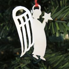 The Easiest Paper Angel Ornament is a fabulous Christmas paper craft. This Christmas ornament craft will look beautiful when it hangs from your tree.