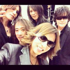 We Are~!! #PhotoShoot #MSG #Xjapan #WeAreX!!! #X #Selfie #ToshI #Yoshiki #Pata #Heath #Sugizo http://bit.ly/XjapanMSG pic.twitter.com/ArZ0nkfrDg