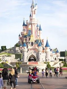Euro Disney - Cinderella Castle