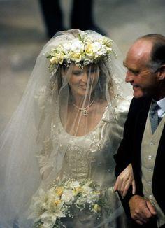 Royal Wedding Gowns, Royal Weddings, Vintage Weddings, Prince Andrew, Sarah Ferguson Wedding Dress, Jessica Jung, William Y Kate, Sarah Duchess Of York, Adele