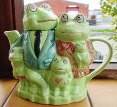 https://flic.kr/p/yBrAk1 | Frog tea pot October 2015