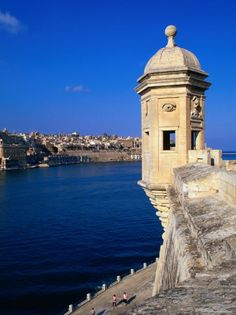 The city of Senglea offers a magnificent view of the Grand Harbour & Valetta from this look-out post, considered the best example in Maltese fortifications. Senglea was heavily bombed during WW2 as beneath its fortifications are situated the Malita dry docks.