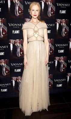 Nicole Kidman wears Vionnet gown.