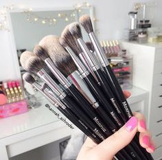 Need to go Amazon shopping for brushes!!
