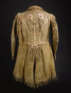 Coats, Metis / Cree Native American Clothing, Native American Artifacts, American Indian Art, American Indians, American Women, American History, Mountain Man Clothing, Period Outfit, Native Indian