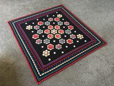 Fridas Flowers crochet blanket