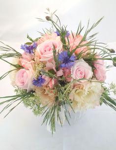 Bukiet ślubny, pudrowy róż. Floral Wreath, Wreaths, Home Decor, Homemade Home Decor, Flower Crown, Deco Mesh Wreaths, Interior Design, Garlands, Home Interior Design