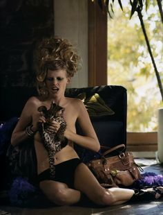 In Honor of International Cat Day, Fashion's Best Cat-itorials: Lara Stone in Vogue Paris