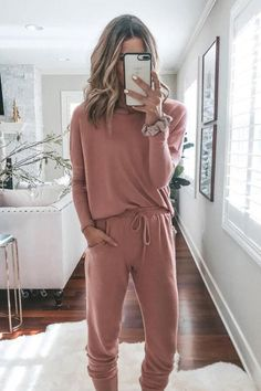 home and lounge inspo # lazy day Outfits Cute Lounge Outfits, Lazy Day Outfits, Outfits Casual, Fashion Outfits, Sporty Chic Outfits, School Outfits, Casual Pants, Casual Weekend Outfit, Comfy Casual