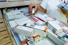 Apotheek. medicijnen controleren.