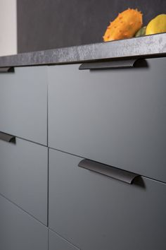 The Ona aluminium handles for kitchens by Viefe.