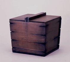 [Omote senke] utensils: Tsurube fresh water container.  [表千家不審菴]茶の湯の道具:千利休所持 釣瓶水指