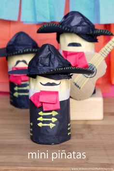 Diy Pinata Discover Mini Mariachi Band and 9 other Cinco de Mayo crafts for kids! Kids Crafts, Quick Crafts, Mexican Christmas, Mexican Crafts, Mexican Party, Mexican Pinata, Mexican Men, Mexican Night, Festa Party