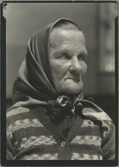 czech-slovak grandmother 33 Beautiful Vintage Portraits Of America's Immigrant Past From Ellis Island - BuzzFeed News