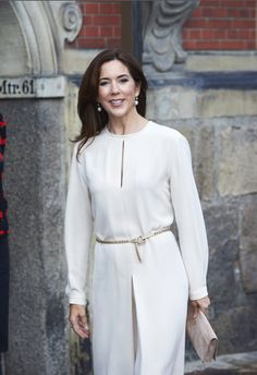 Queens & Princesses - Princess Mary attended the awarding of a prize awarded to a contractor. The ceremony took place in Copenhagen