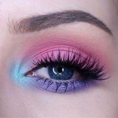 Perfect pastel eyes for Easter! @kaylahagey is wearing #sugarpill Lumi eyeshadow as her inner corner highlight.