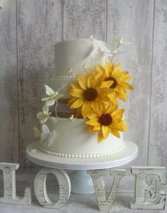 Sunflowers and butterflies...... - Cake by Clare's Cakes - Leicester